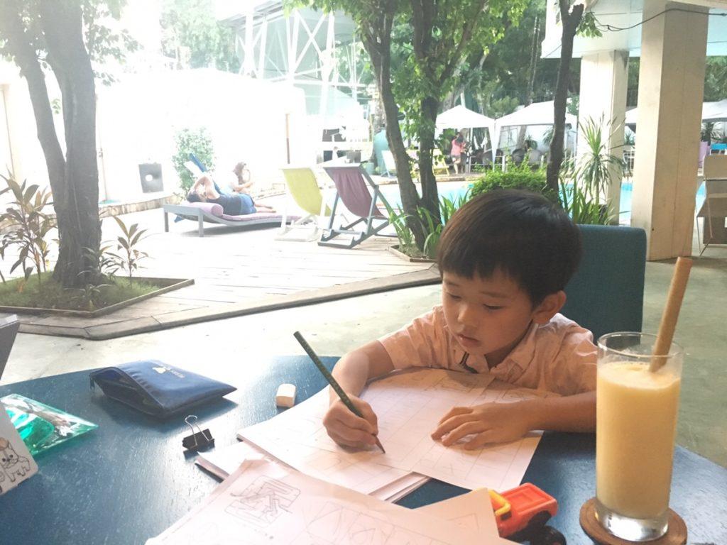 """海外子育て 日本語教育はどうしてる?セブ島在住の息子5歳ひらがな練習記""""クリスマスまでにサンタさんへお手紙を書けるのか!?"""""""
